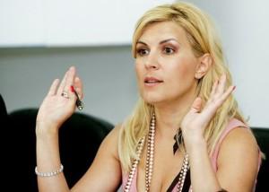 Ministrul Turismului, Elena Udrea, tine o conferinta de presa, la sediul Ministerului, in Bucuresti