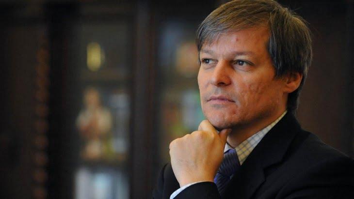"""Dacian CIOLOS vrea sa fie DE FOLOS Romaniei: """"NU EXCLUD infiintarea unui nou partid""""!"""