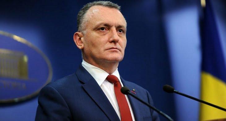 Doar Tariceanu putea sa dea o astfel de lectie de maiestrie: singurul profesor universitar din Comisia de Educatie a Camerei Deputatilor a fost DECAPITAT pentru ca s-a alaturat Partidului PRO Romania!