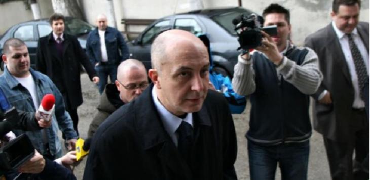 "In timp ce Carmen Dan ii face ode lui ""daddy"" la Antena 3, politia londoneza l-a prins pe fugarul condamnat, Puiu Popovici!"